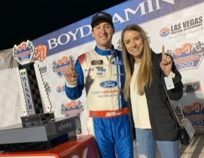 Chase Briscoe and wife. Photo: Twitter @ChaseBriscoe5