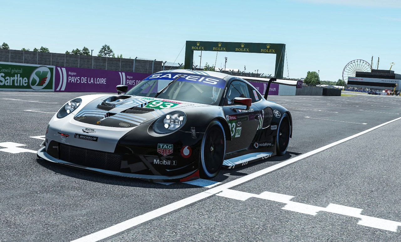 Porsche 911 RSR, Porsche Esports Team (#93), Nick Tandy (GB), Ayhancan Güven (TR), Joshua Rogers (AUS), Tommy Östgaard (N). Photo by Porsche Motorsport
